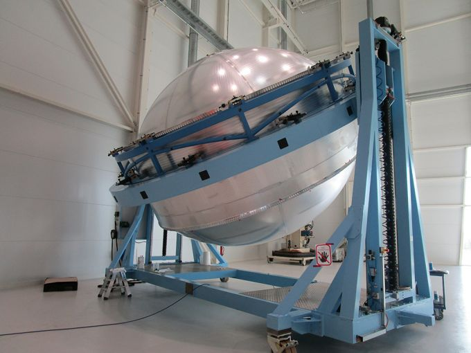MT Aerospace has delivered the first hydrogen tank for the Ariane 6 upper stage to the ArianeGroup. © MT Aerospace AG